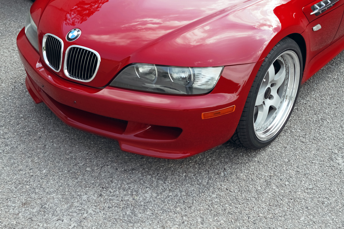lowered but by no means slammed running the minimum amount of camber on vorshlag plates have to get it aligned so i dont know what the angle is bmw z3 1996 front angle aa